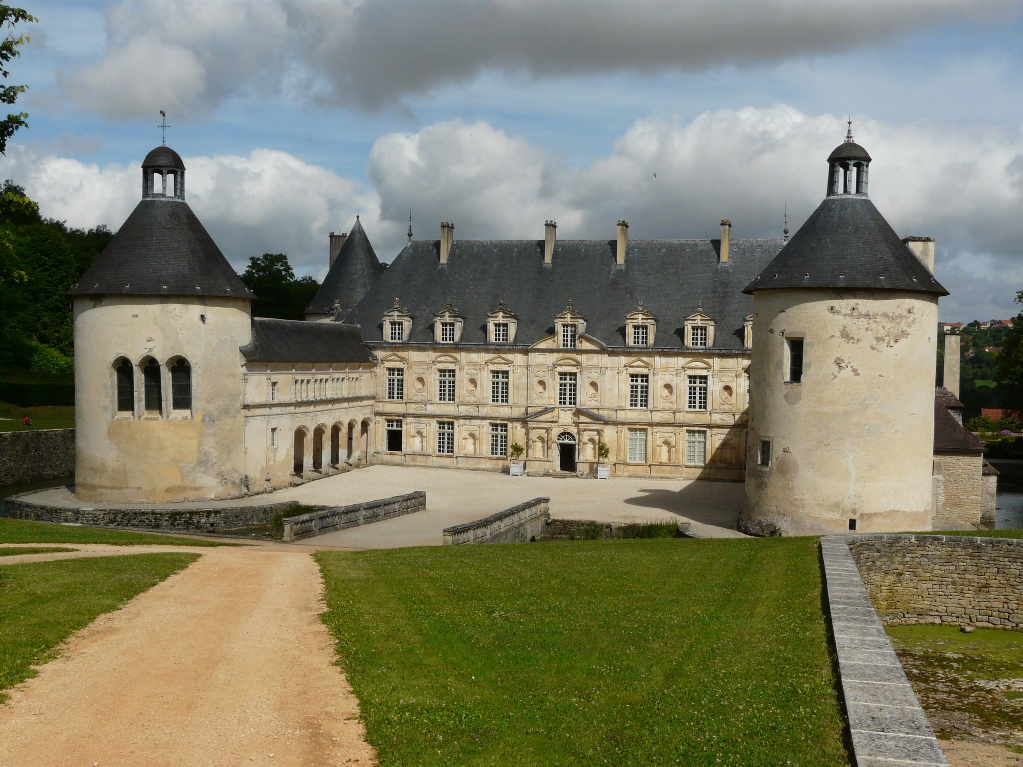 Mérimée et Viollet-le-Duc, de Vézelay à Bussy-Rabutin