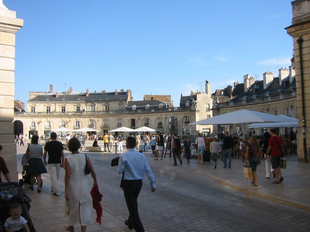 La Place de la Lib célèbre le vin le 20… et Marsannay