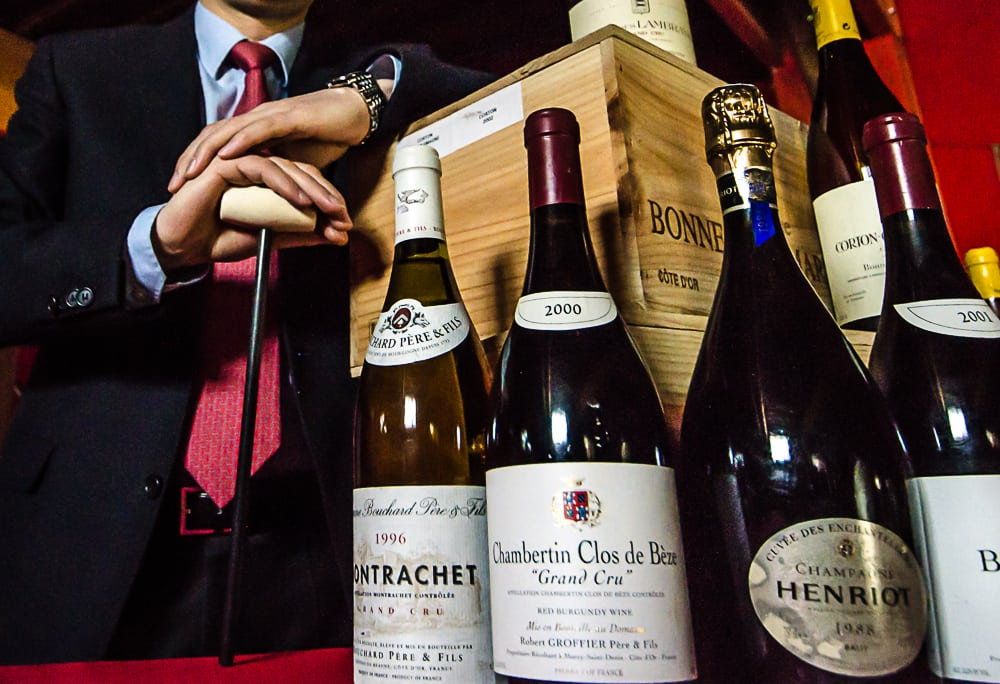 Enchères: sous le marteau, les vins s'envolent…