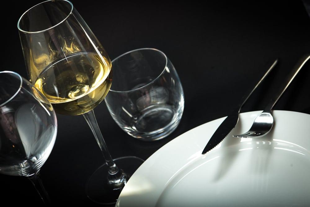 Hep sommelier! Du bon usage du verre à vin