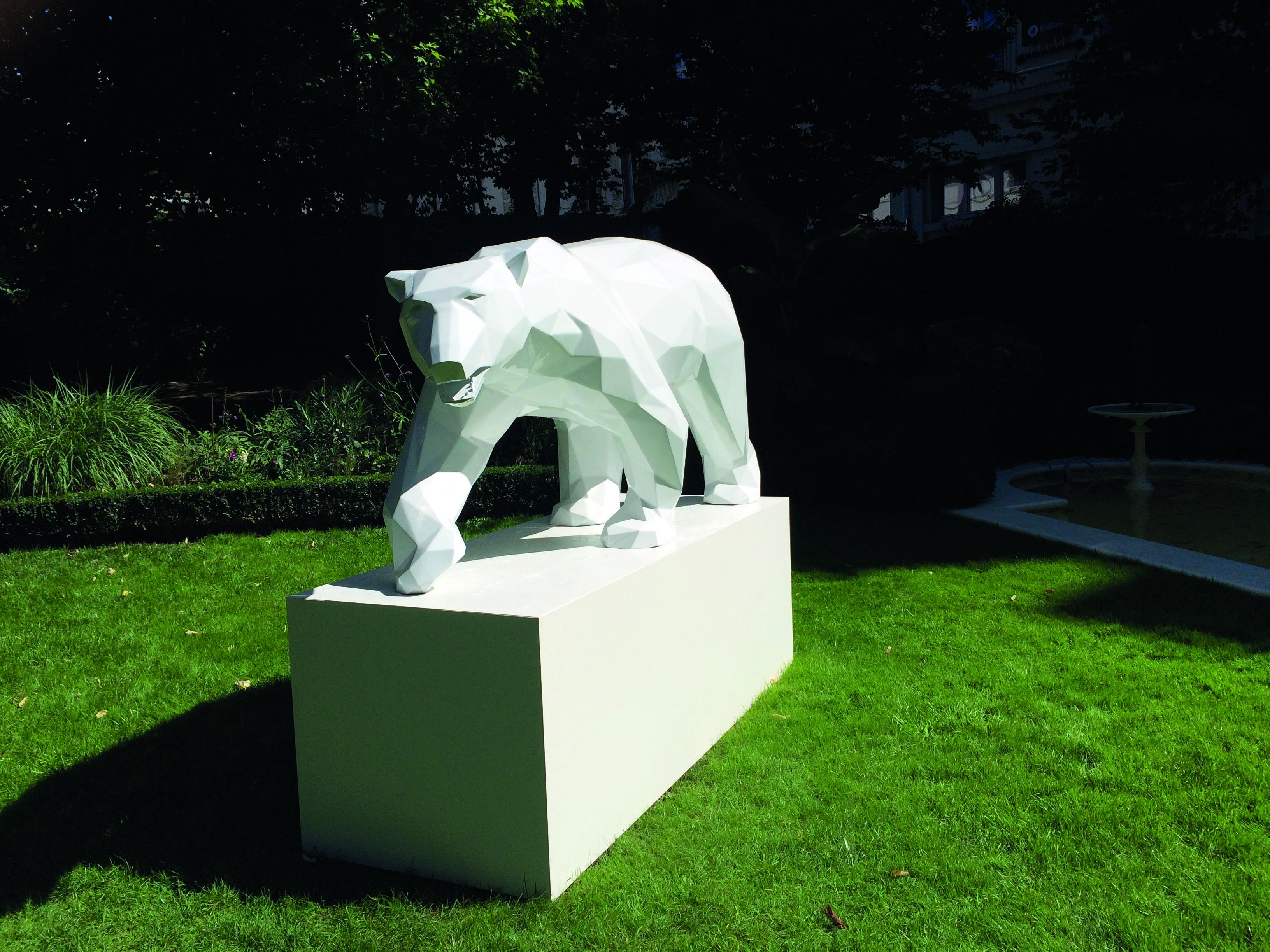 Grand Hôtel La Cloche: un ours peut en cacher un autre