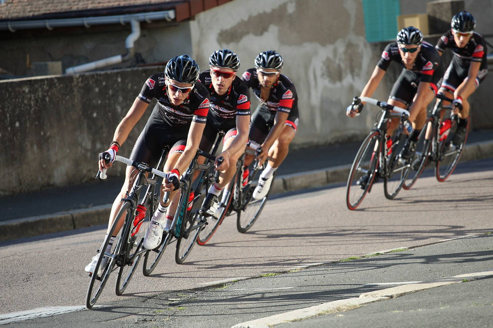 Le Covid-19 fait dérailler le Critérium d'après Tour de France de Dijon
