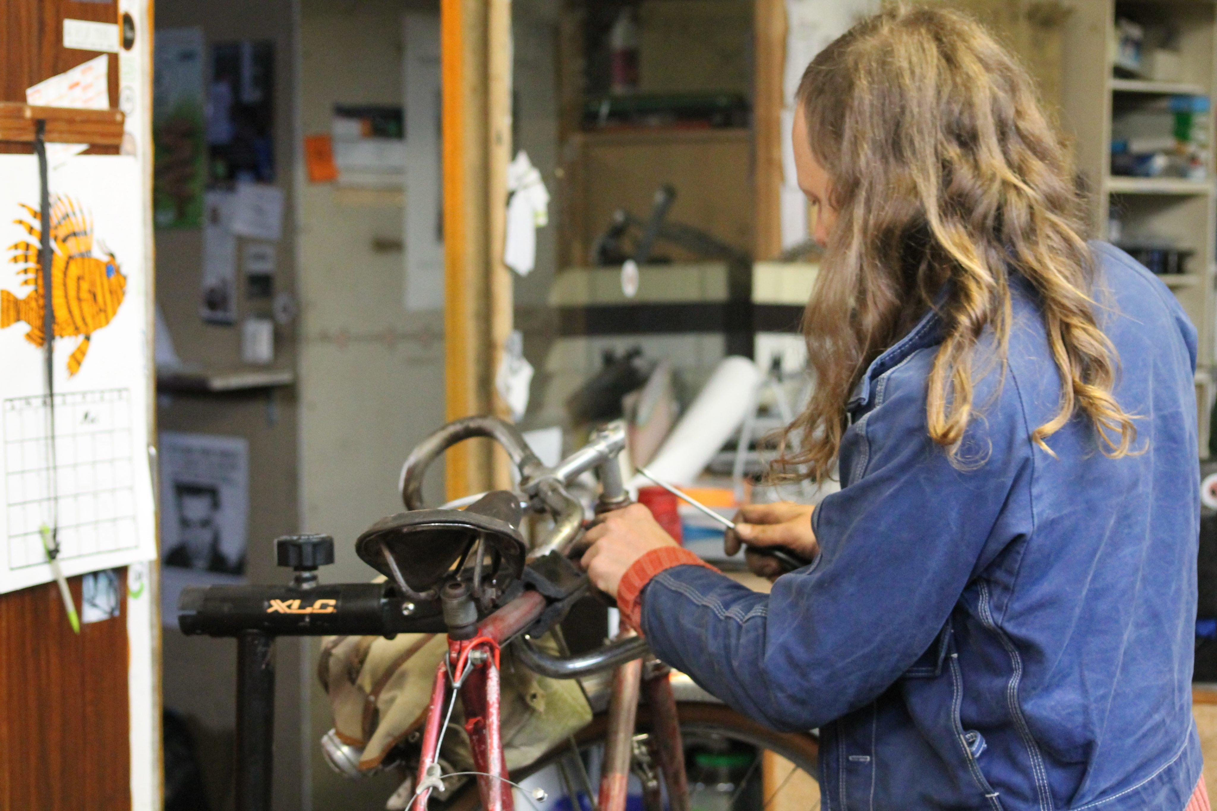 Rustine, l'atelier dijonnais qui ressuscite les vieux clous!