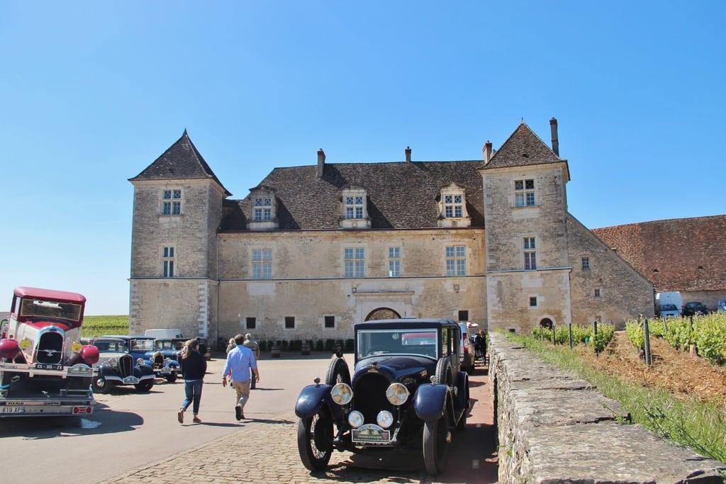 Les voitures des Aventures de Tintin sur la route du Clos de Vougeot