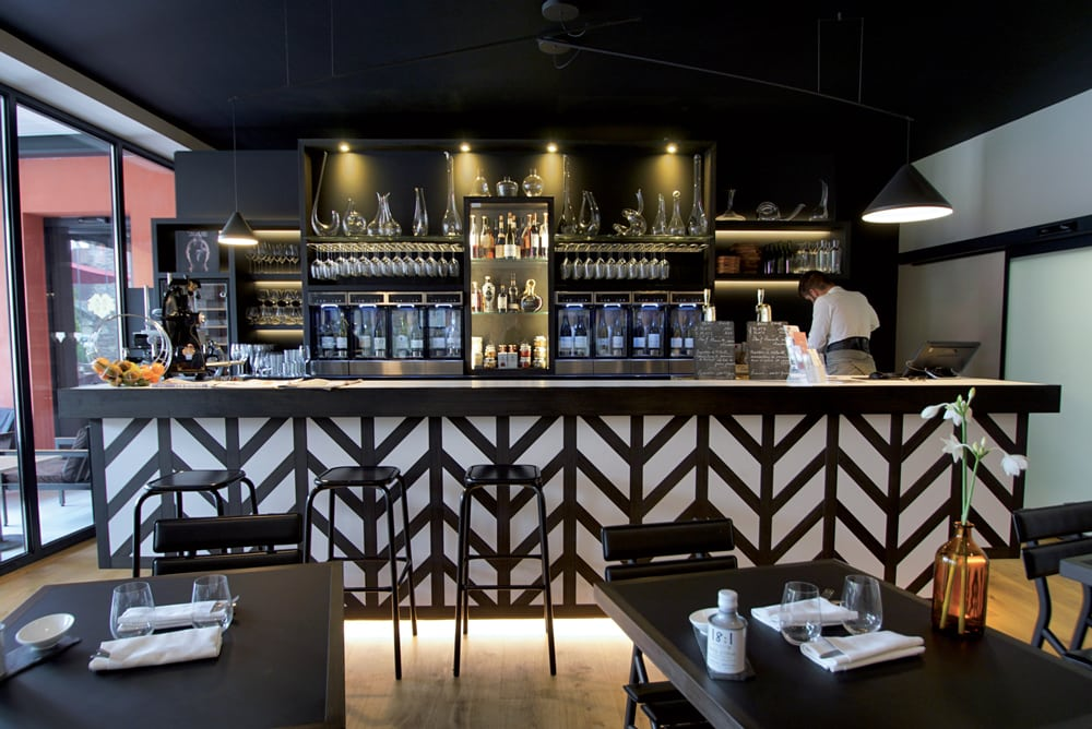 Castel de Très Girard, «the» bar à vins de la Côte de Nuits