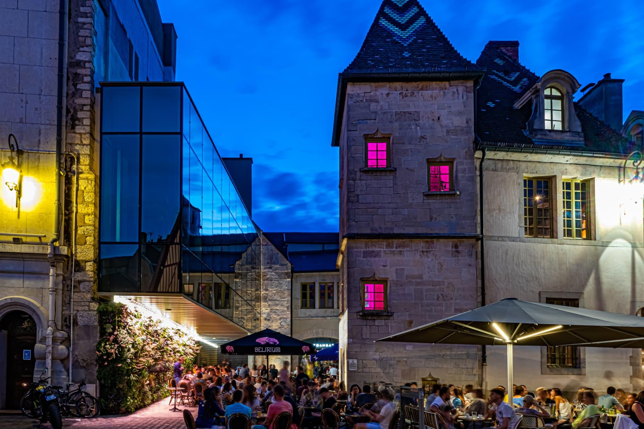 La Cour Bareuzai de Dijon obtient un prix mondial d'architecture