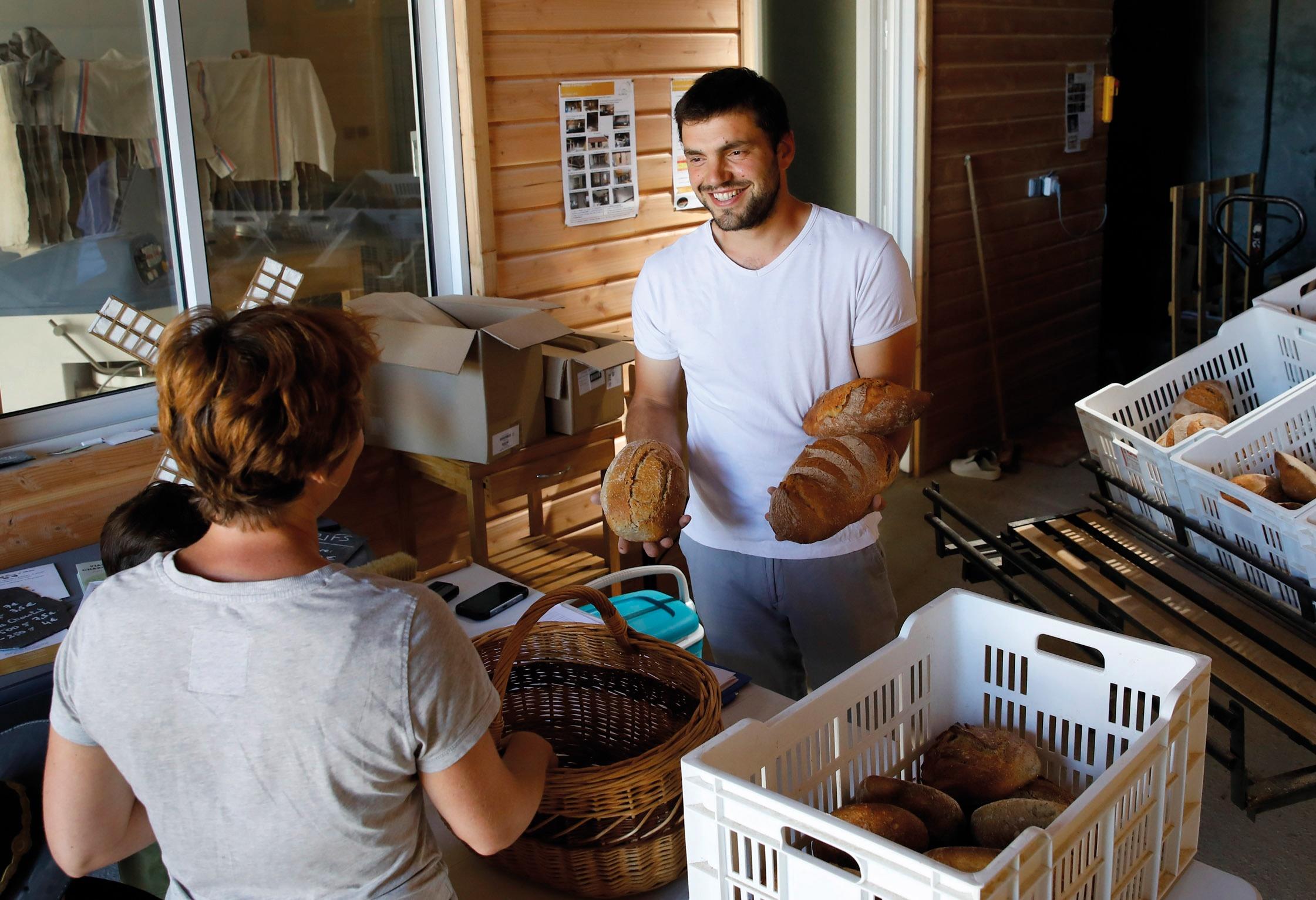 Savoir-faire 100% Côte-d'Or  – Aux Goûts Liés : du pain fermier sur la planche !