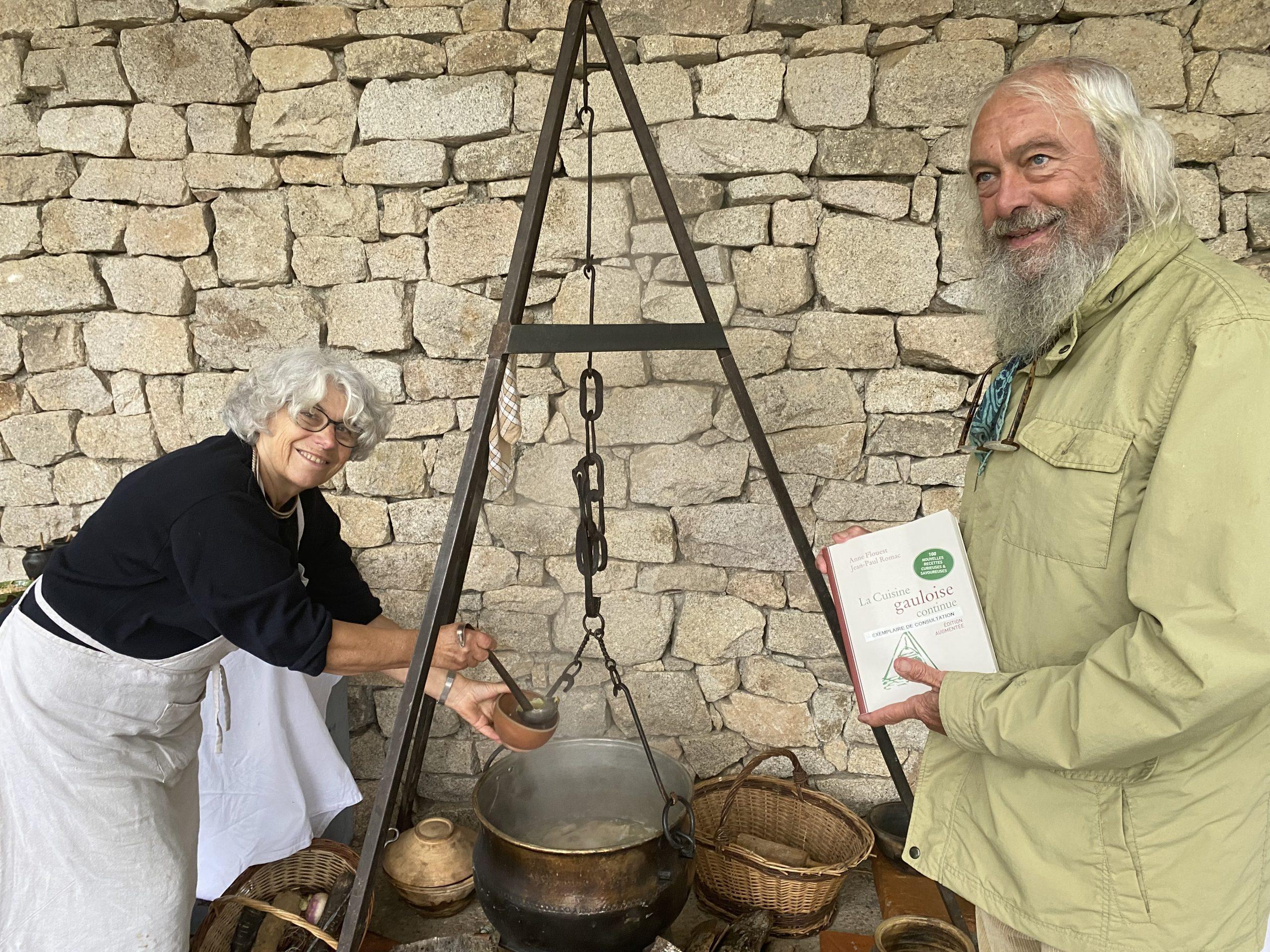 400 recettes gauloises : à Bibracte, Anne Flouest et Jean-Paul Romac refont bouillir le chaudron
